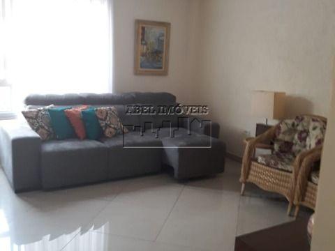 Sobrado 3 dormitórios, sendo 1 suite, cozinha, banheiro, área de serviço e garagem na Vila Valença em São Vicente