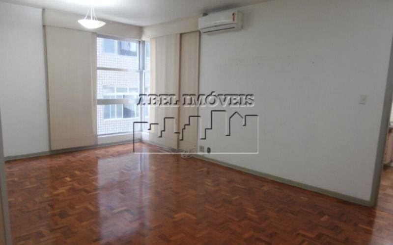 Apartamento 2 dormitórios, sala, cozinha, banheiro, área de serviço com dependência no Itararé em São Vicente