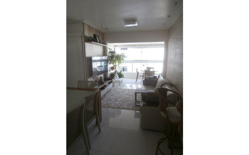 Apartamento 2 dormitórios, sendo 1 suite, sala, cozinha e banheiro no Itararé em São Vicente