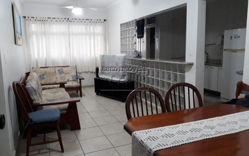 Apartamento 2 dormitórios sendo 1 suíte, sala 2 ambientes, cozinha planejada, 2 banheiros e área de serviço no Itararé em São Vicente