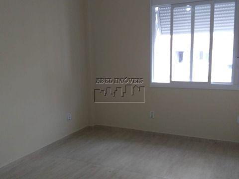 Apartamento 2 dormitórios, sala 2 ambientes, cozinha, banheiro, área de serviço e garagem no Itararé em São Vicente