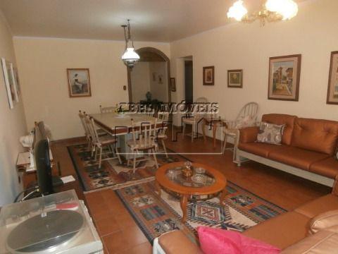 Apartamento 2 dormitórios, sala 2 ambientes, cozinha, banheiro, área de serviço e dependência no Itararé em São Vicente
