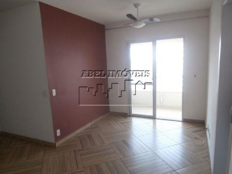 Apartamento 3 dormitórios sendo 1 suíte, sala, cozinha, banheiro, área de serviço garagem e sacada todo reformado no Centro de São Vicente