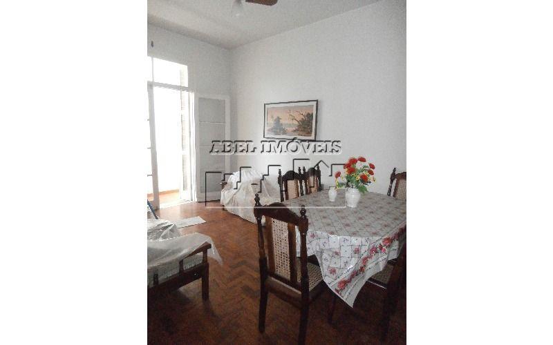 Apartamento de 01 dormitório prédio frente ao mar ótima localização 01 dormitório, sala 02 ambientes, cozinha, banheiro social, sacada