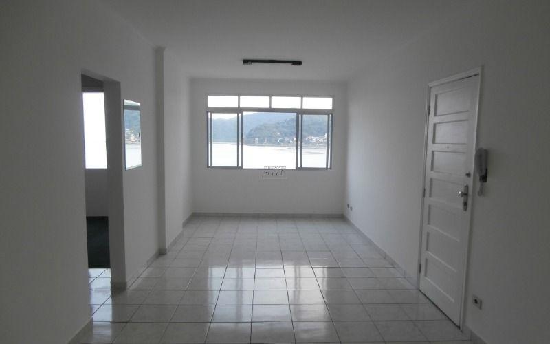 Apartamento 2 dormitórios, sala 2 ambientes, cozinha, banheiro e área de serviço no Centro de São Vicente