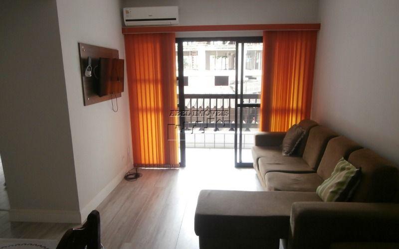 Apartamento 2 dormitórios, sala 2 ambientes, cozinha, banheiro, área de serviço no Centro de São Vicente