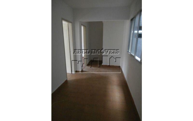 Apartamento de 02 dormitórios, sala, cozinha, banheiro social, área de serviço e garagem  Próximo a mercado, padaria, ponto de ônibus, campo de fut...