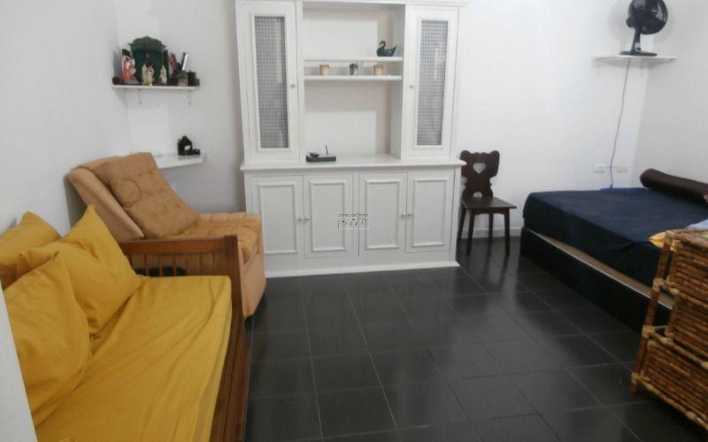 Sala living mobiliada no Itararé em São Vicente  Ótima localização próximo a praia, padarias, supermercados, ponto de ônibus, táxi, VLT, escolas, e...