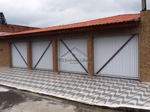 Casa 5 Dormitórios na Vila Caiçara em Praia Grande - SP