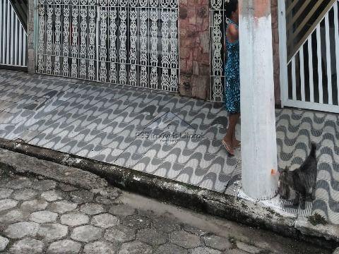 Sobrado 2 Dormitórios no Maracanã em Praia Grande -SP