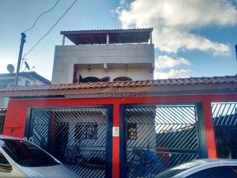 Sobrado tríplex para locação em Carapicuíba -SP