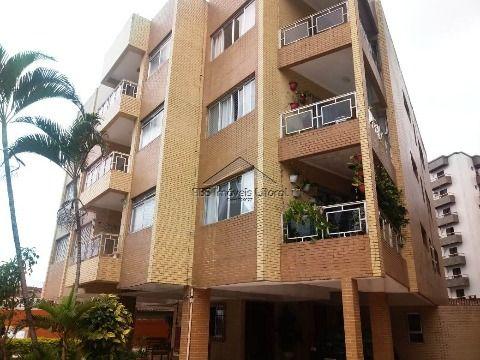 Apartamento de 2 dormitórios com suíte em Vila Caiçara na Praia Grande