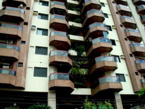 Apartamento de 3 dormitórios no Canto do Forte em Praia Grande