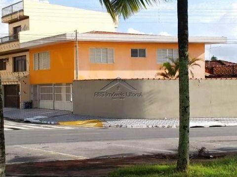 Sobrado de 4 dormitórios frente ao mar no Jardim Imperador em Praia Grande