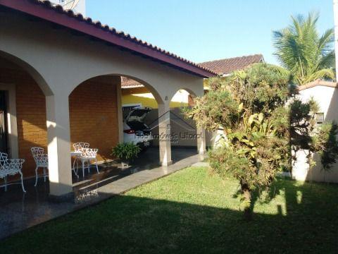 Casa 3 Dormitórios no Florida em Praia Grande - SP