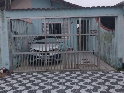 Casa com 3 dormitórios no Maracanã na Praia Grande