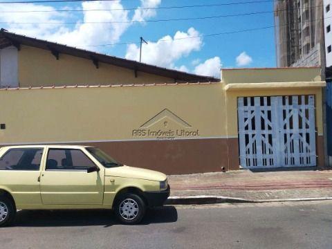 Casa de 2 dormitórios na Guilhermina na Praia Grande SP
