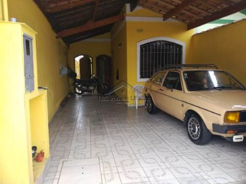 Casa 2 Dormitórios no Maracanã na Praia Grande - SP