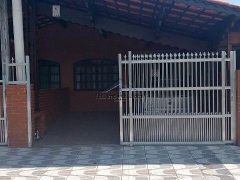 Casa com 2 dormitórios no Jardim Imperador na Praia Grande - SP