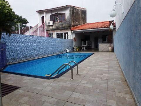 Casa com Piscina 2 dormitórios no Jardim Real em Praia Grande