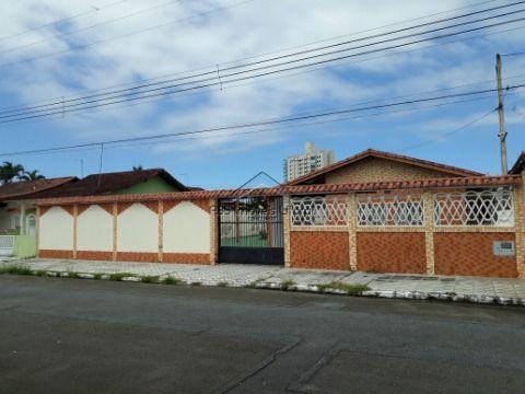Casa isolada 3 Dormitórios Jardim Imperador em Praia Grande-SP