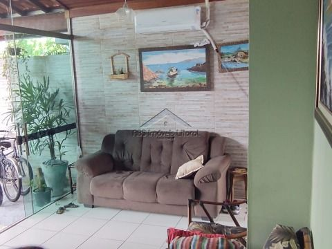 Linda Casa 2 Dormitórios no Jardim Real em Praia Grande