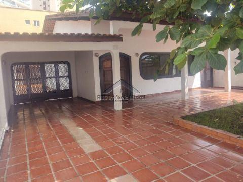 Casa 4 dormitorios 2 suites na Vila Caiçara em Praia Grande