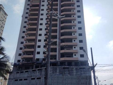 Apartamento com 2 dormitórios 1 suite no Maracanã em Praia Grande