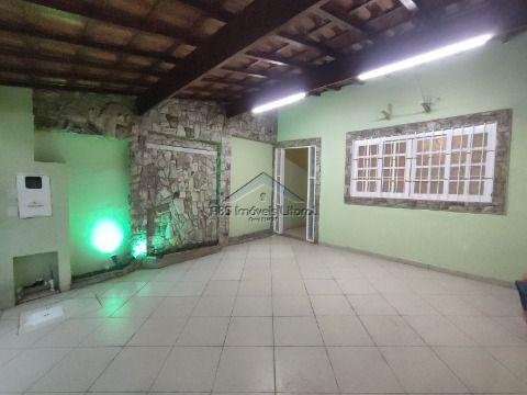 Casa reformada no Maracanã em Praia Grande - SP
