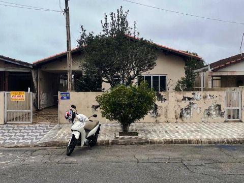 Casa isolada de 2 dormitórios sendo 1 suíte no Solemar na Praia Grande SP
