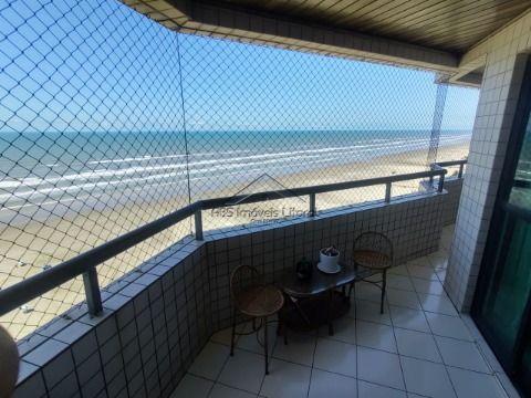 Apartamento 2 dormitórios 2 Suites pé na areia  no Bairro do Maracanã em Praia Grande - SP