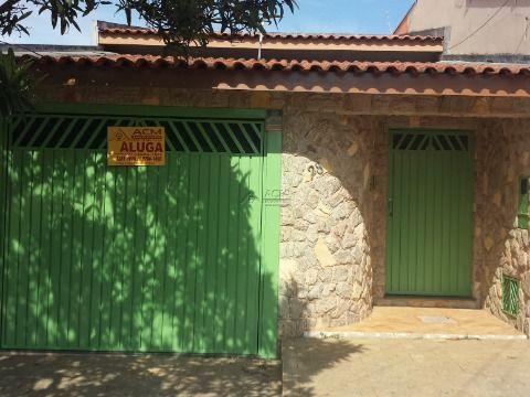 Casa 2 Qtos c/ churrasqueira - aluguel