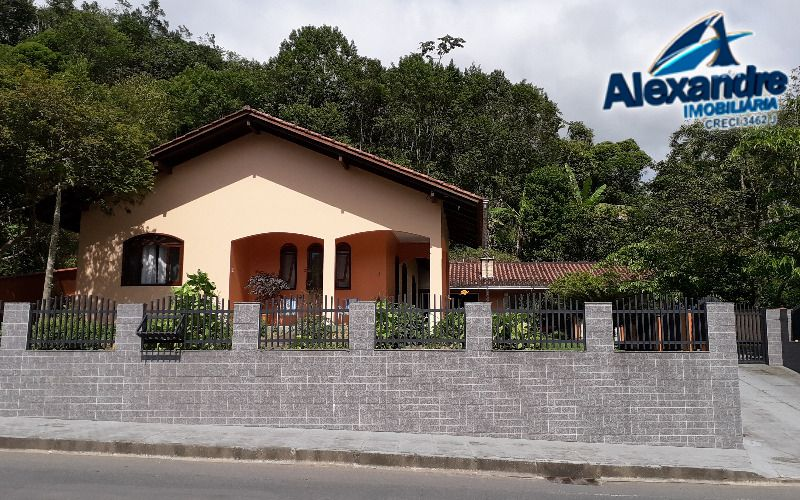 Casa  no bairro Vila Lenzi em Jaraguá do Sul.
