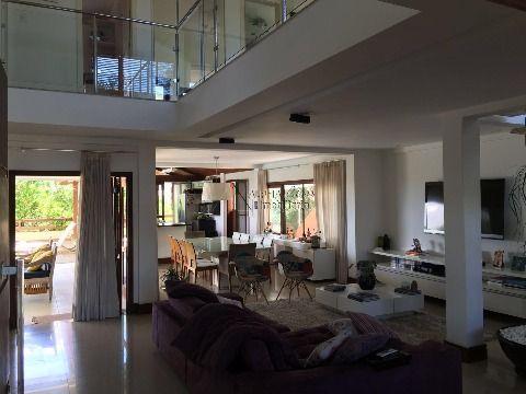 Excelente casa 7 suítes para aluguel em Piatã