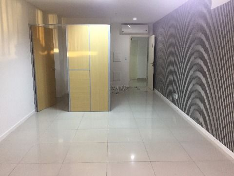sala comercial paralela