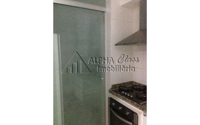 Porta separando a cozinha da lavandeiria.JPG