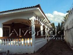 Casa ampla com duas suítes e demais dependências em Itatiba