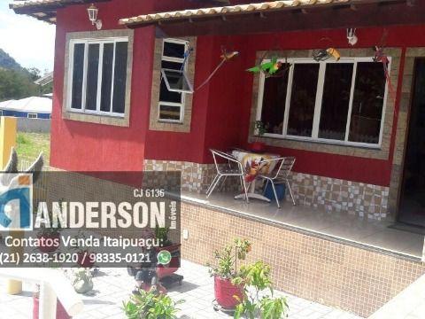 Casa 2qtos em condomínio em Itaipuaçu