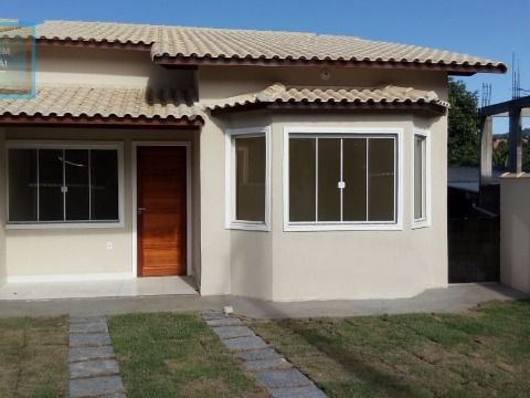 Excelente Casa de 2 Qts c/ 1 Suíte, Rua Asfaltada perto da Praça de Itapeba.