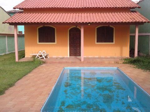 Casa 2 Qtos c/ piscina, churrasqueira, próx. comércio, praia, rua asfaltada em Itaipuaçu