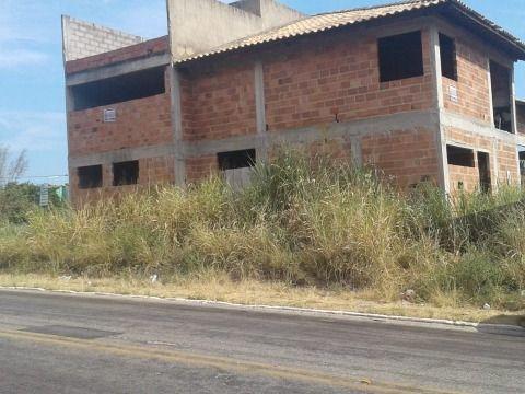 Terreno Multifamiliar e Comercial c/Construção em Itaipuaçu.