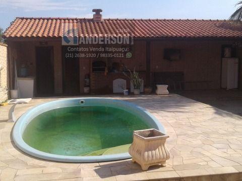 Casa 2Qtos c/piscina e churrasqueira próx. a praia em Itaipuaçu