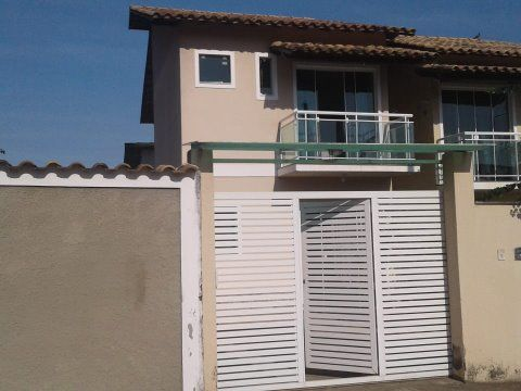 Excelente casa duplex 3 Qtos 2 suítes perto praia em Itaipuaçu