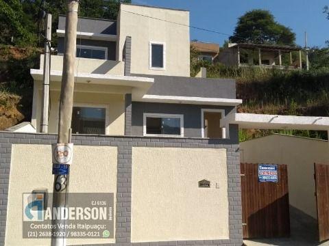 Casa Duplex c/ 2 Qts, 2 Banheiros em Cond. Fechado.
