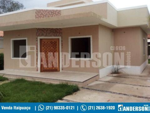 Maravilhosa casa de 3 Qts, Suíte, Terreno 480m² com Piscina Adulto e Infantil.