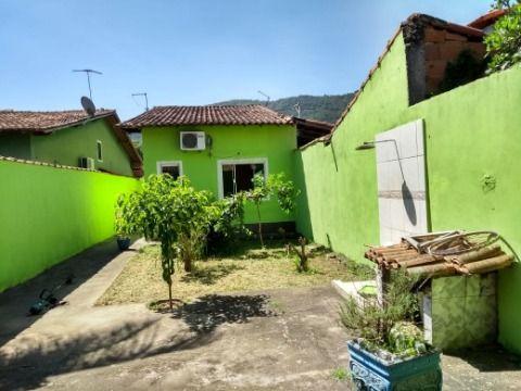 Otima casa 2quartos (sendo 1 suite), + churrasqueira