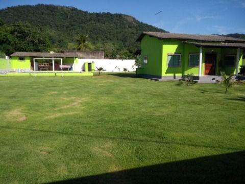 Excelente casa 3Qtos c\ piscina, churrasqueira e campo futebol terreno 1200m² Itaipuaçu