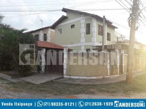 Ótima Casa Duplex com 3 qtos  (sendo 1suite com closet ) +  Churrasqueira próx. a Praia