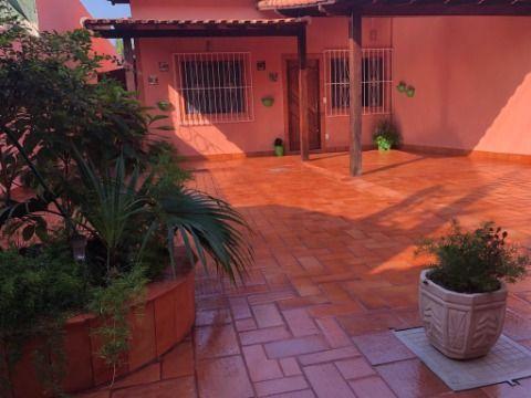 Ótima Casa em Itaipuaçu c/ Churrasqueira Próx. a Praia