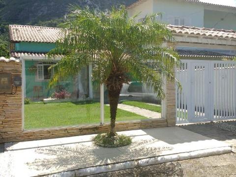Casa 2Qtos em condomínio no Recanto em Itaipuaçu